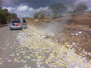 VANDALISMO EM PATOS: Bandidos roubam e ateiam fogo em material de campanha de candidatos