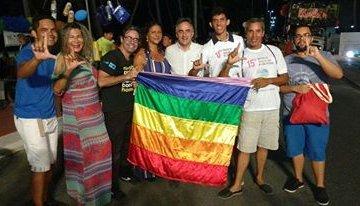 Luciano Cartaxo prestigia parada LGBT na praia de Cabo Branco