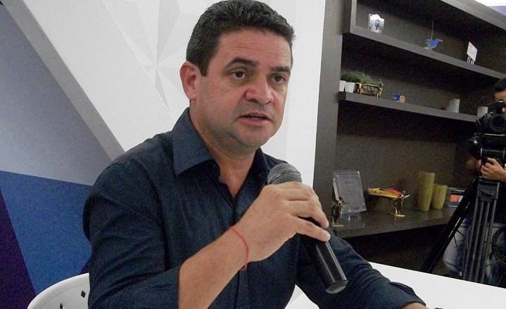 DEBATE RCTV: Candidato petista classifica atual gestão na saúde como 'tragédia humana'