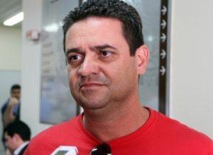 DEBATE ARAPUAN FM- Charlinton promete comprar briga com Manaíra Shopping