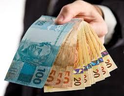 """21 mil """"pobres"""" doaram R$ 168 milhões a campanhas"""