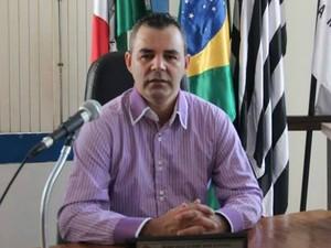Vereador do PT defende agressão contra mulheres e gera revolta nas redes