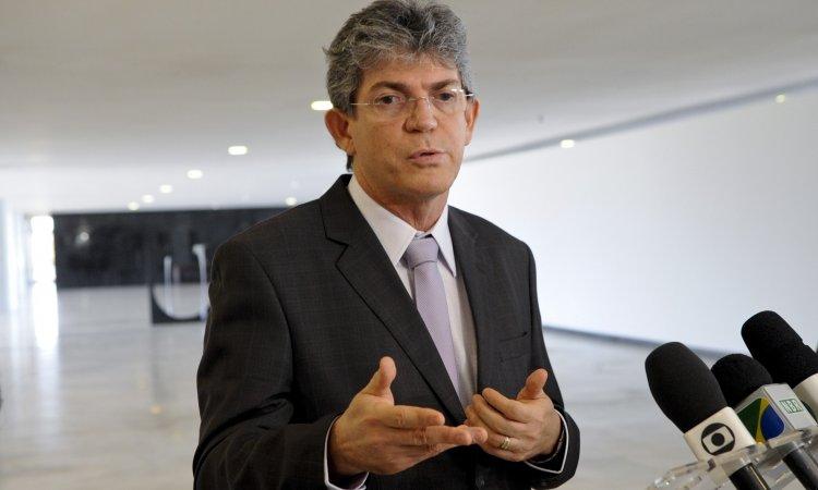Ricardo se reúne com os 54 prefeitos eleitos na próxima segunda-feira